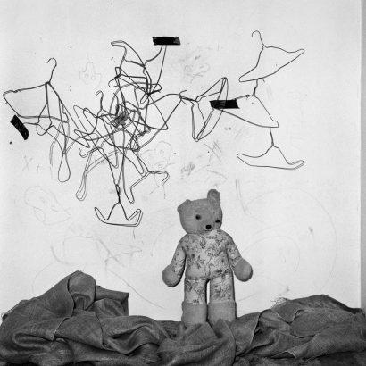 Configuration. 2003 - Roger Ballen - FLAIR Galerie