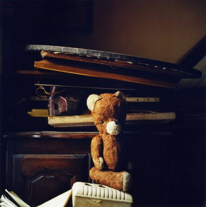 Nounours, 60 years old. Eva Kempinsky's confidant. Paris. 2005 - Sylvie Huet - FLAIR Galerie